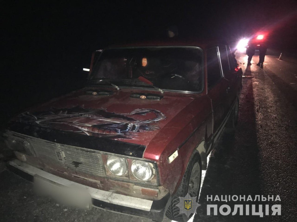 Смертельна аварія на трасі під Харковом: мікроавтобус в'їхав в натовп людей, штовхаючих автомобіль