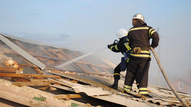 Ховався у куті найдальшої кімнати: На Миколаївщині у пожежі вчадів 4-річний хлопчик