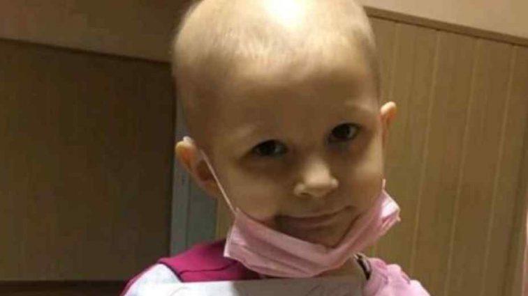 """""""Болі в кишечнику, шлункові спазми"""": 5-річна Мар'янка дуже сподівається на допомогу добрих людей"""