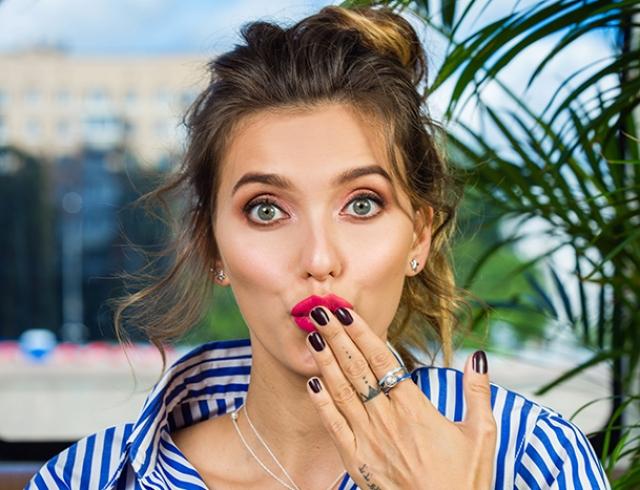 Регіна Тодоренко вразила мережу вражаючим фото і розповіла, як потрібно худнути після пологів