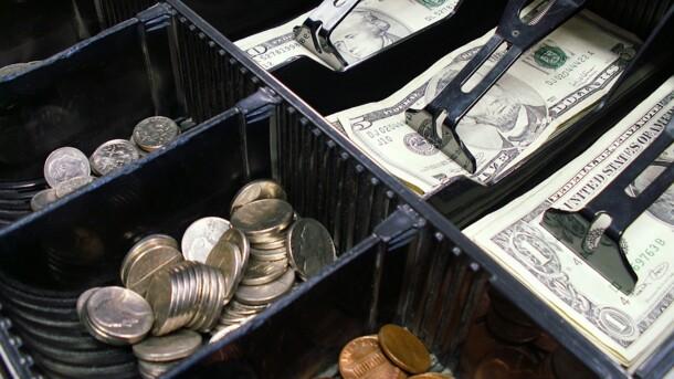В Україні різко виріс в ціні долар