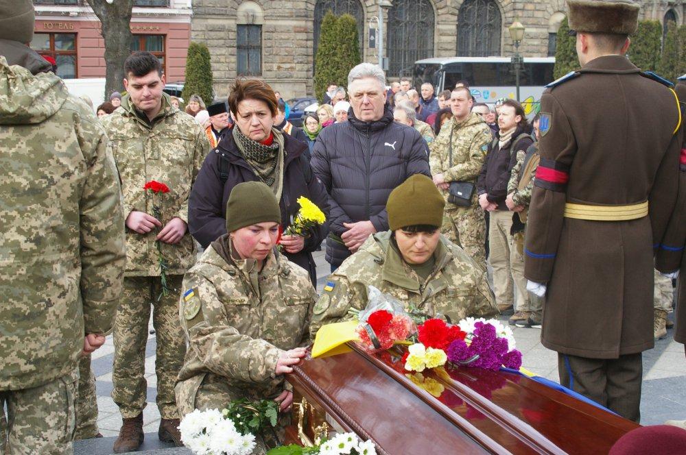 Справжній патріот України: у Львові прощались із загиблим 19-річним воїном