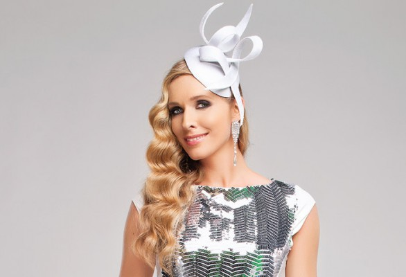 Немов королева! Катерина Осадча підкорила шанувальників ніжним образом в шикарній сукні