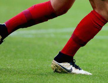 Футболіст влаштував різанину прямо на полі: в Мережі з'явилося фото