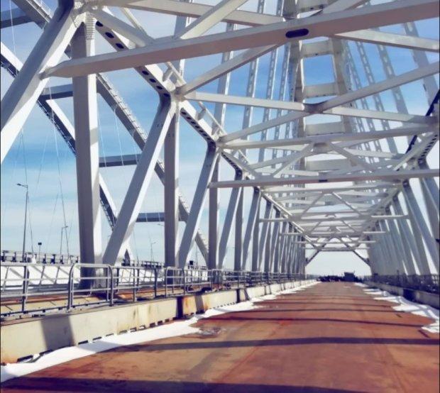 """З'явилися свіжі фото іржавого Керченського мосту: """"Тільки гондоли і гондольєри .."""""""
