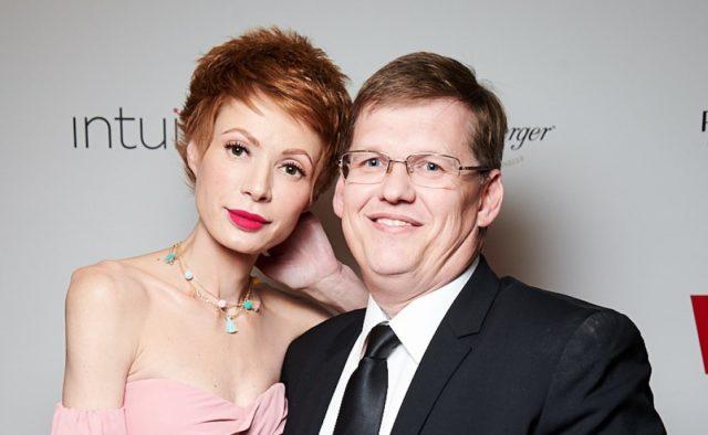 """""""Ви пасуєте одне одному"""": Павло Розенко та Олена-Христина Лебідь вийшли у світ"""