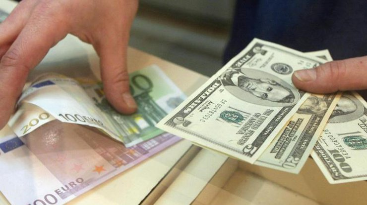 """""""Гривне, ти куди?"""": Офіційний курс валют на сьогодні, який відверто дивує"""