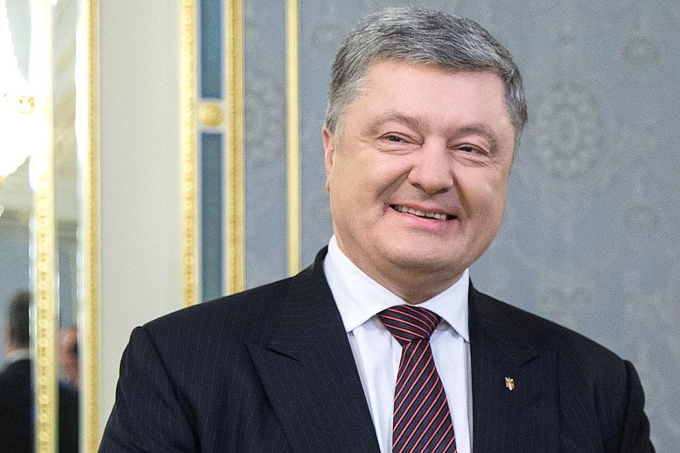 """""""З ким не буває?"""": На виборах Петро Порошенко переплутав українських боксерів і """"привітав"""" з перемогою не того"""