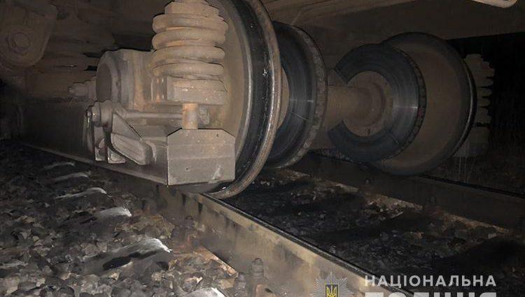 Тягнув вагони ще 160 метрів: На Тернопільщині потрапив у аварію поїзд із десятками пасажирів