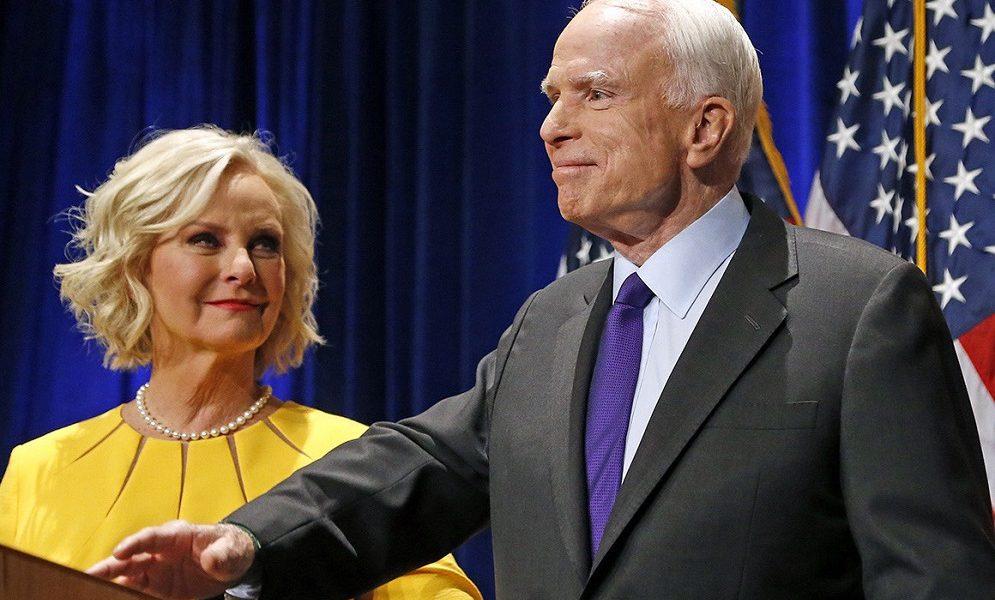 Тепер я розумію, чому він любив Україну: Вдова сенатора Маккейна зробила гучну заяву