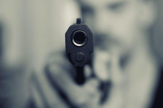 Хотів таким чином перевиховати юнака: у Дніпрі чоловік вистрілив підлітку в голову