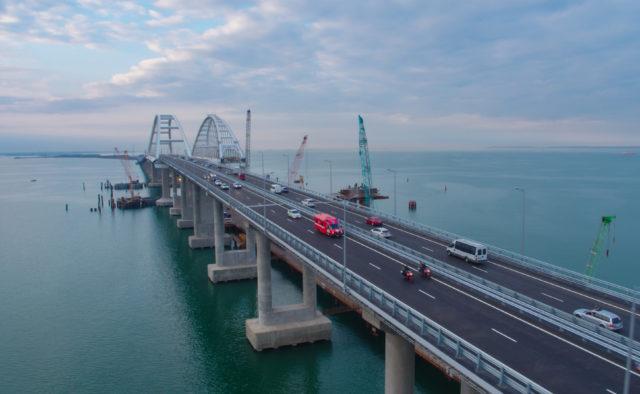 Він буде просто знесений! Російський вчений визначив долю Кримоського моста