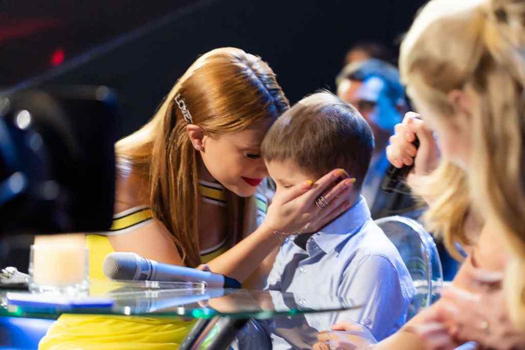 """""""Були розчулені до сліз"""": Тіна Кароль здійснила мрію 8-річного хлопчика на очах у мільйонів глядачів"""