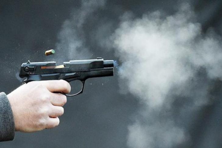 Здійснив 12 пострілів з пістолету: У Вінницькому кафе чоловік розстріляв музиканта