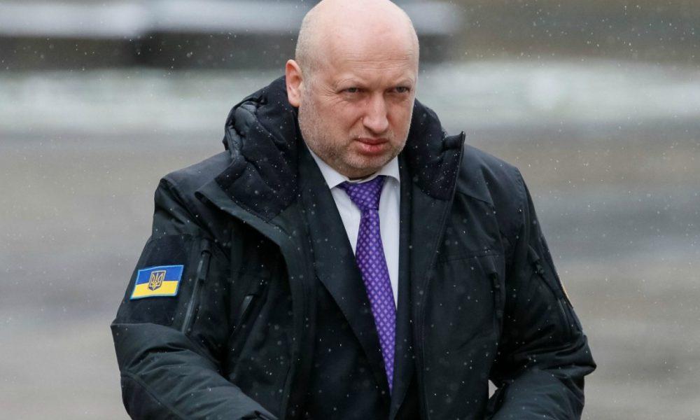 Кораблі пройдуть під носом у Росії: Турчинов виступив з нечікуваною заявою