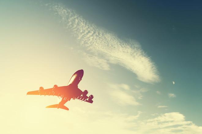 Врятувати маленького пасажира не вдалося: двомісячна дитина померла на борту літака