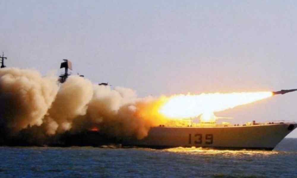 """""""Поховають на морі"""": українці отримають допомогу. НАТО пригрозило Росії"""