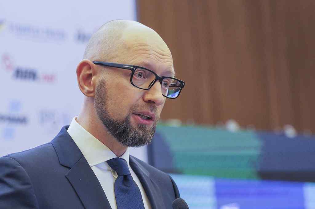 Об'єднаються заради України? Яценюк вмовляє НФ йти на вибори з Гройсманом