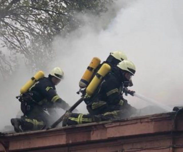 Нещадна стихія: В одеській психлікарні сталася масштабна пожежа, евакуйовано понад півсотні людей