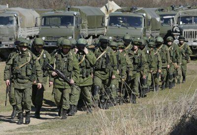 Росія стягнула до кордонів України тисячі військових і сотні танків: Термінова інформація