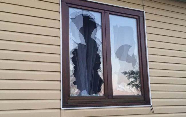 Вночі, коли спав: У Рівненській області в будинок місцевого депутата кинули гранату