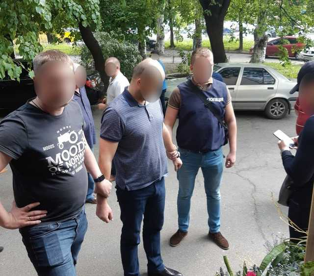 """""""Вимагав 25 тисяч доларів"""": У Чернігові відомий депутат погорів на хабарі"""