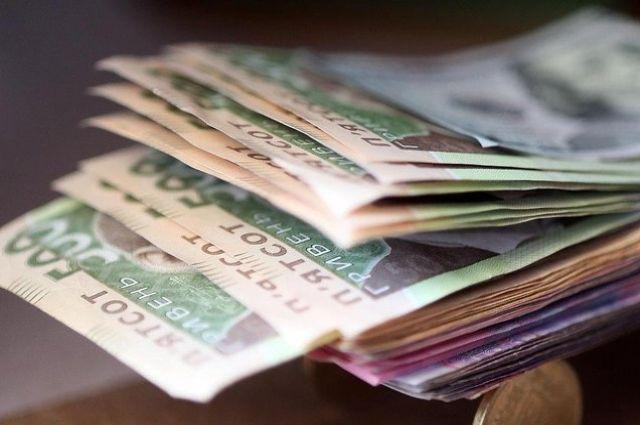 На 5 тисяч гривень: З 1 травня в Україні зросли зарплати. Дізнайтесь кому пощастило