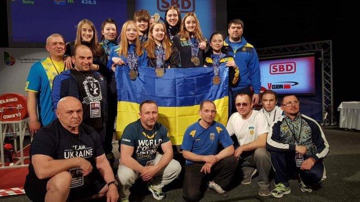 Українські спортсменки вибороли золото на чемпіонаті Європи з пауерліфтингу