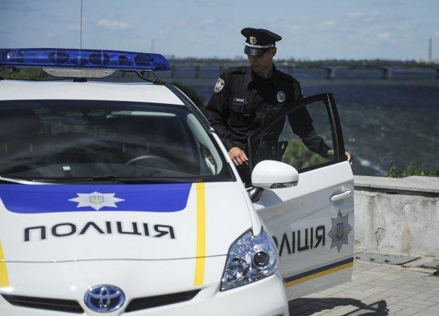 """""""Порушив усі права на повагу гідності"""": У Маріуполі коп побив відомого тренера прямо в поліцейській дільниці"""