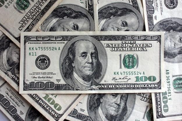 Долар знову дивує: валюта різко подорожчала