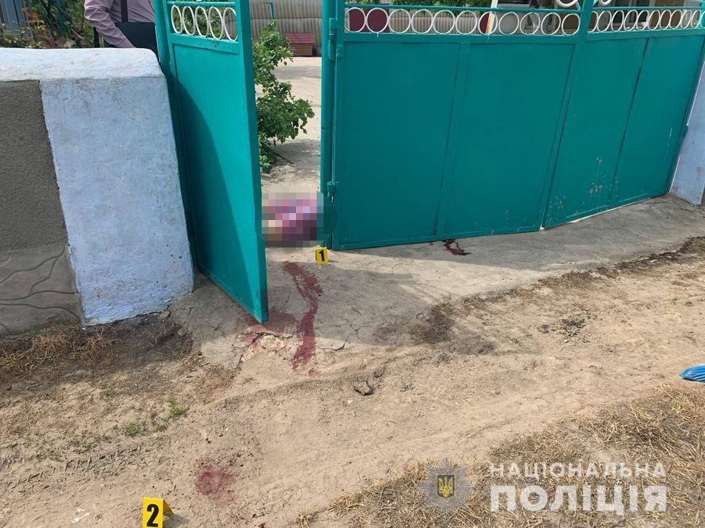 """""""Бездиханні тіла знайшов син"""": На Миколаївщині у власному будинку вбили подружжя підприємців"""