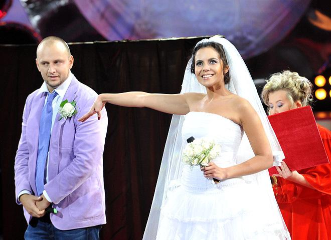 """""""Це такий інтимний момент"""": Настя Каменських розкрила подробиці свого весілля з Потапом"""