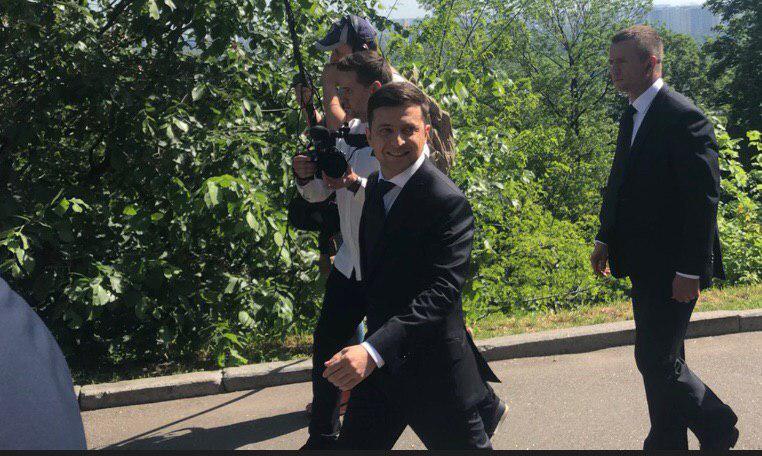 """""""Уряд і є нашою проблемою!"""": Зеленський приголомшив своєю першою промовою в Раді"""