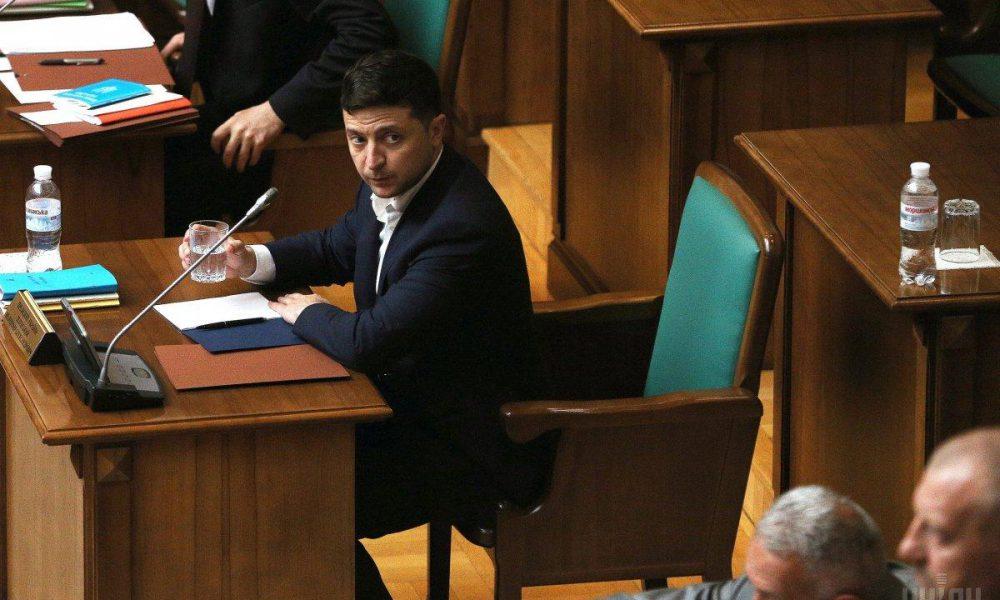 """Зеленський загнав Раду у глухий кут, один указ вирішив долю депутатів: """"Не мають права на життя"""""""