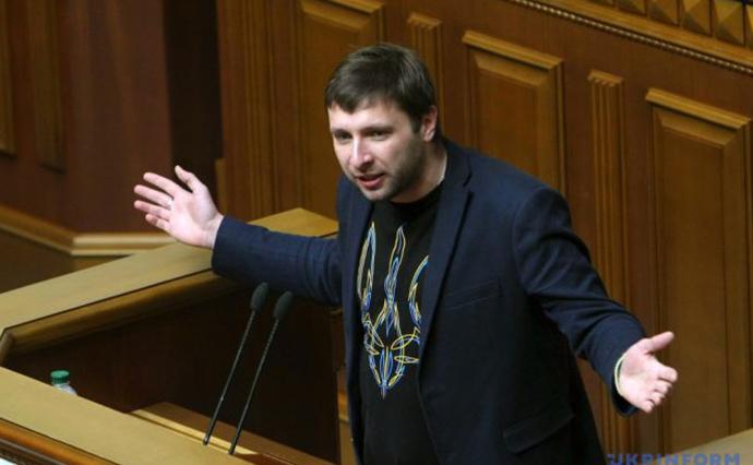 Мінус один: Парасюк програв суд і не зможе балотуватись у депутати ВР