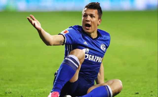 """""""Йому варто шукати новий клуб"""": Євгена Коноплянку офіційно виставили за двері з німецького """"Шальке"""""""