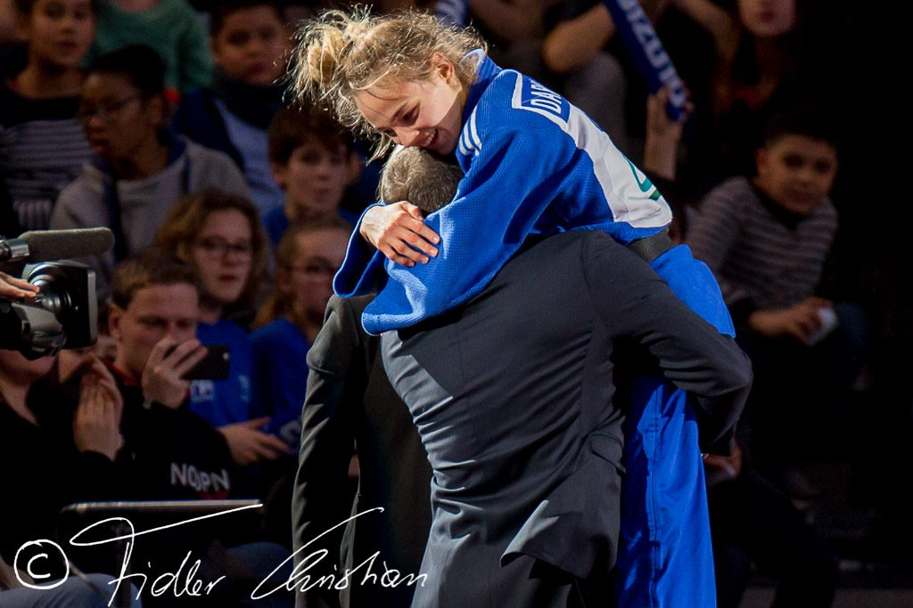 Перше золото України: Дзюдоїстка Дар'я Білодід перемогла росіянку і виграла Європейські ігри