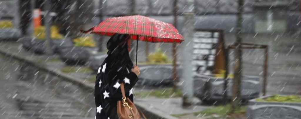 Літо не поспішає приходити: синоптики попередили про погіршення погоди