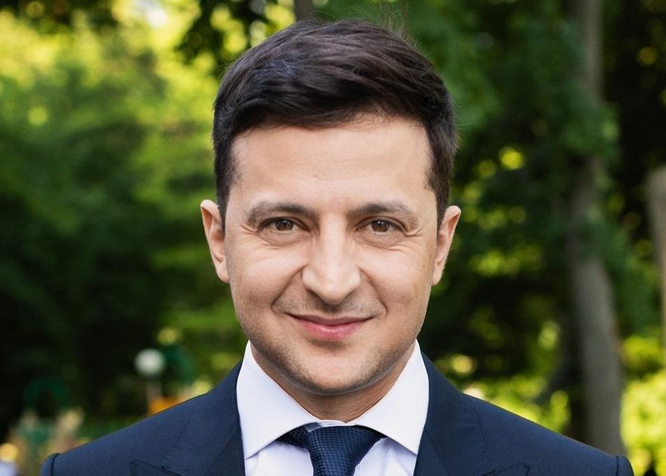 Знати, дотримуватись, поважати: Зеленський привітав українців з Днем Конституції і влаштував флешмоб