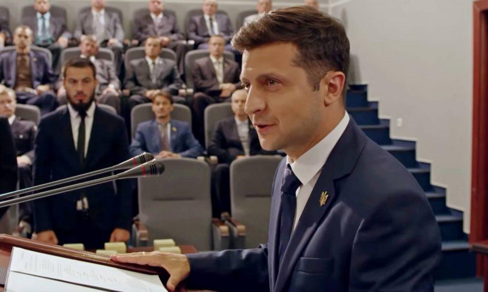 Зеленський різко відповів на запрошення Лукашенка, стадіон скасовується: посередник для…
