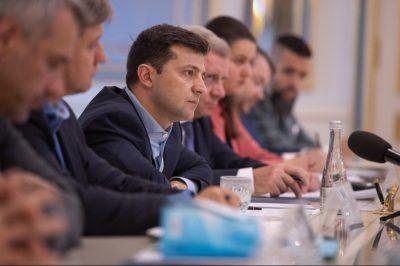 Стали відомі зарплати людей з оточення президента Зеленського: стимулює…