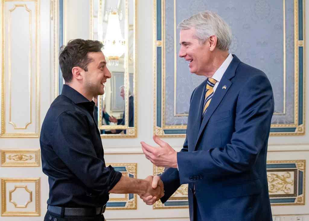 Ми будемо допомагати Україні: Американський сенатор прокоментував зустріч із Зеленським