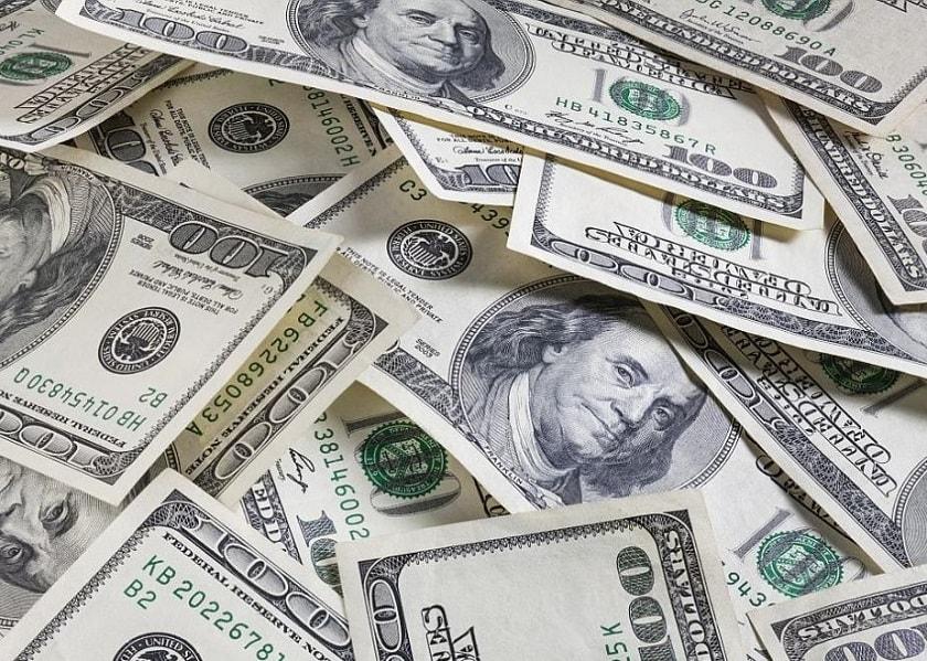 Гривня знову дешевшає: Курс валют на 1 липня 2019 року