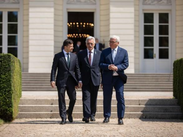 Діалог двох президентів: Про що Зеленський розмовляв зі Штайнмайєром?