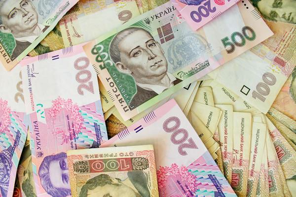 Гривня зміцнює свої позиції: курс валют на 12 червня