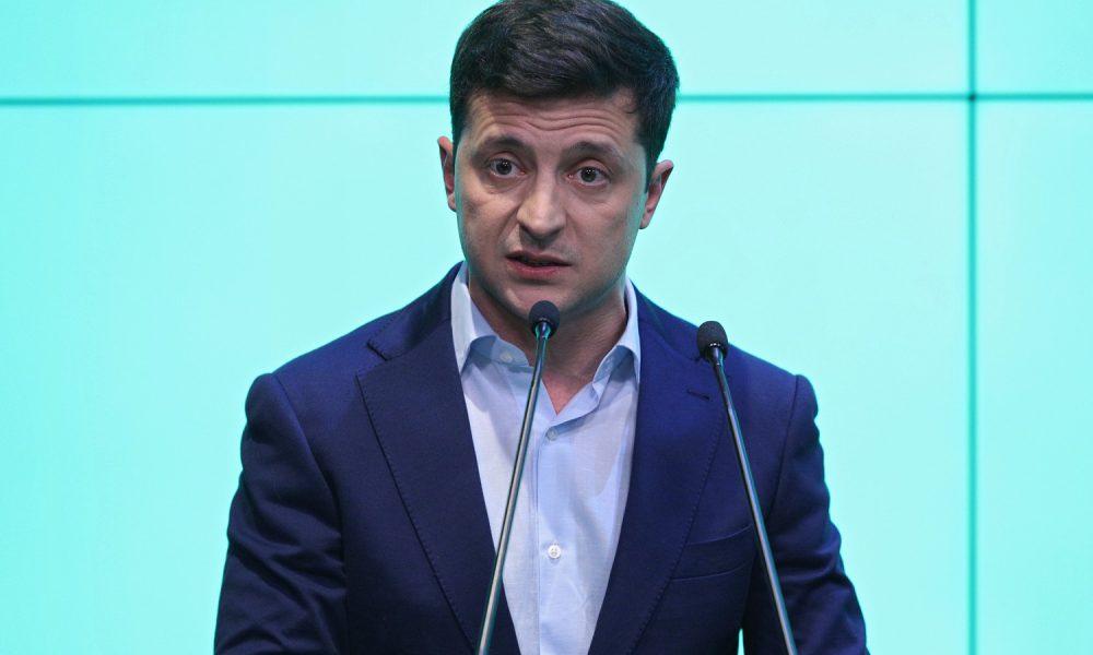 """Порошенко запропонував Зеленському угоду і нарвався на """"дзвінкий ляпас"""": сидіти буде довго"""