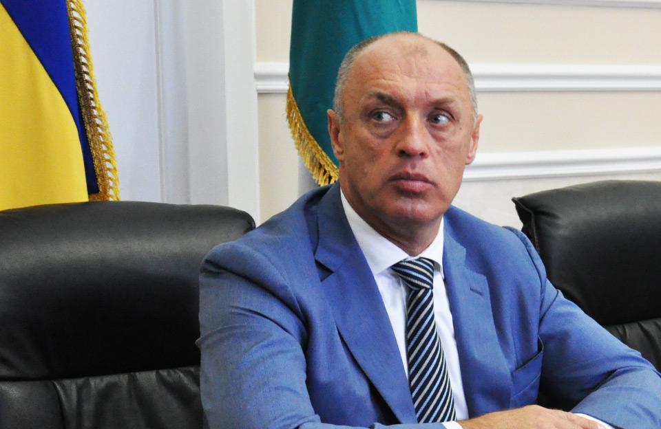 Передвиборча благодійність:У Полтаві потенційний кандидат у нардепи роздавав квитки на Винника та Антитіла