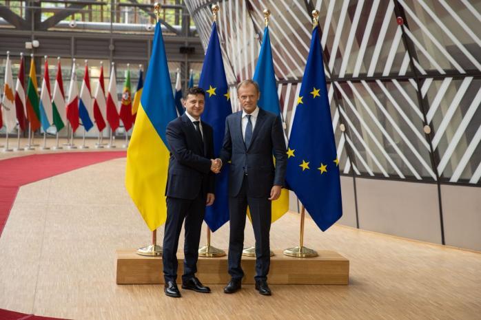 Перший закордонний візит: Володимир Зеленський зустрівся з Дональдом Туском у Брюсселі