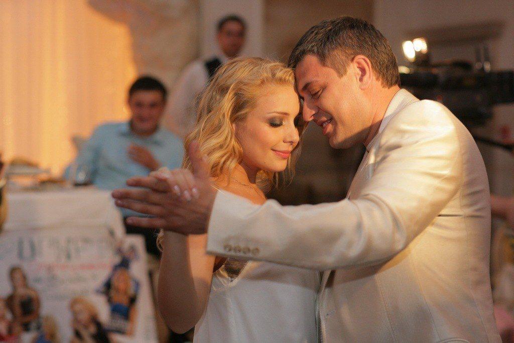 Щастя було таким коротким: У річницю весілля Тіна Кароль зворушиво вшанувала коханого
