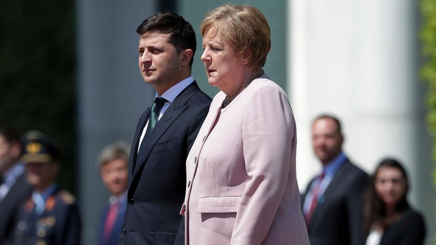 """""""Молився і просив Бога"""": У Мережі з'явилися нові деталі НП на зустрічі Меркель з Зеленським"""